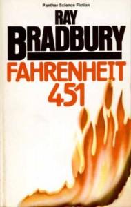 """La copertina di """"Fahrenheit 451"""" di Ray Bradbury"""