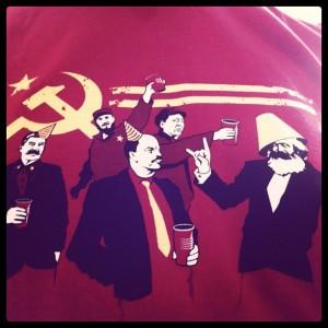 #domandechepotreifare chi sono questi tizi, cos'han fatto e (collegamento con inglese) perché questa t-shirt fa ridere?